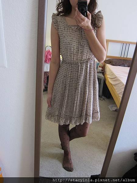 洋裝 35 荷葉 x 蝴蝶結圖騰線條洋裝, $800 - 1