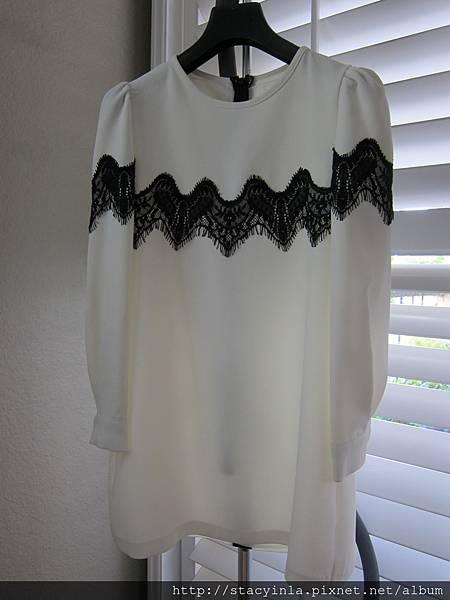S3 氣質款白色胸蕾絲洋裝