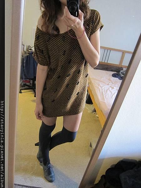 洋裝 29 大寬領 斜條紋個性洋裝 $500 (1)