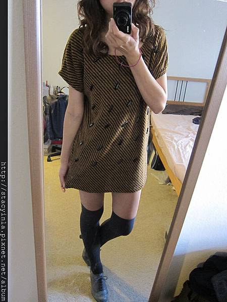 洋裝 29 大寬領 斜條紋個性洋裝 $500 (2)