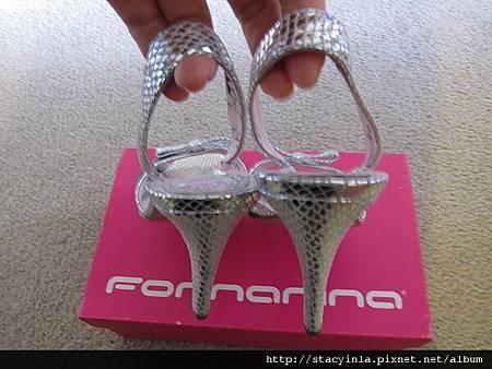 鞋子 1 Fornarina 銀蔥魚口涼鞋 $800 (2)