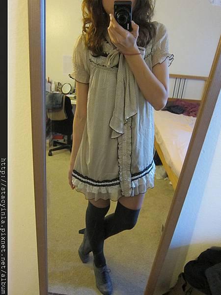 洋裝 22 日牌 AXES 復古水玉蕾絲小洋裝 $800