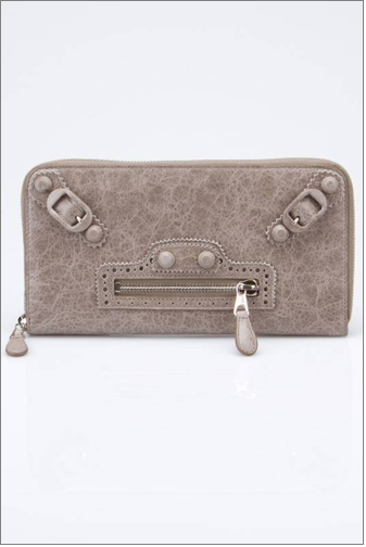 Covered Giant Wallet in Pebble Front.png