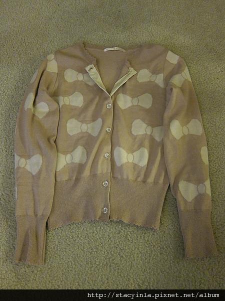 外套 2 俏皮粉紅底白色蝴蝶結針織長袖外套 $800 (2).JPG