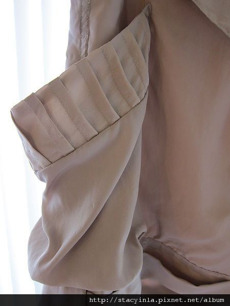 下半身 2 InterMix 粉嫩緞面大口袋短褲 $800 (2).JPG