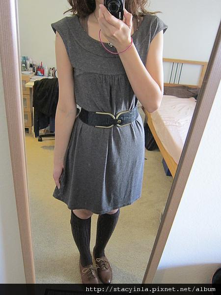 洋裝 5 Mango 可可色 基本款寬領洋裝 $500 (2).JPG