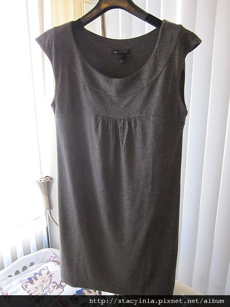 洋裝 5 Mango 可可色 基本款寬領洋裝 $500 (1).JPG