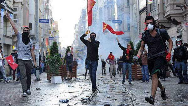 Protesters-in-Istanbul-016