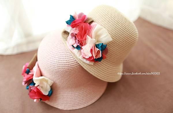 J01夏日優雅花邊草帽-杏色、粉色,NT$690/一頂