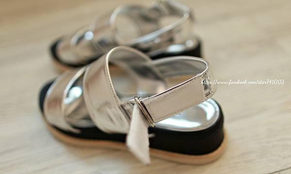 J03 夏日簡約厚底涼鞋(銀色、黑色、白色),NT$1380