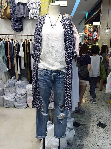 J09 藍色率性雪紡長版上衣,NT$1660