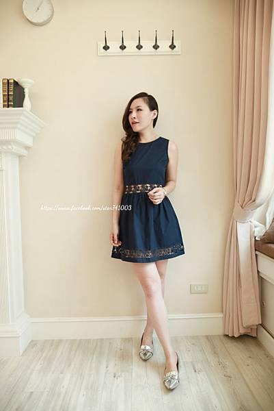 J14 浪漫簍空雕花洋裝(白、深藍),NT$1350