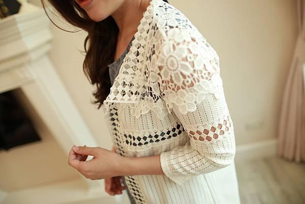 J16 簍空雕花罩衫,NT$780