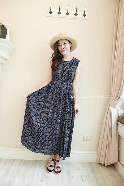 J15 甜美度假風長洋裝(白色、深藍),NT$1580