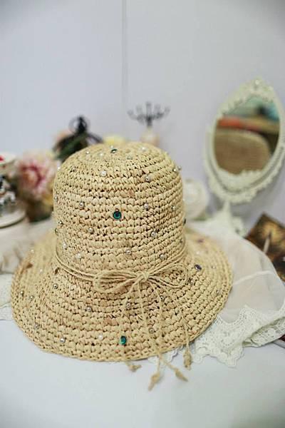 J22 華麗寶石大圓帽,NT$880元