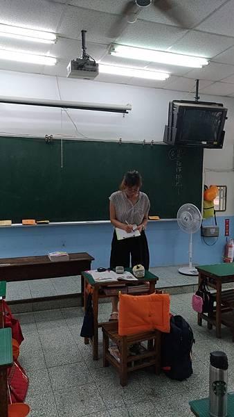 1070912教室黑板及桌面亮度測量