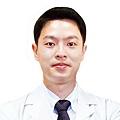 醫師照片_網路用_陳翰儒-01.jpg