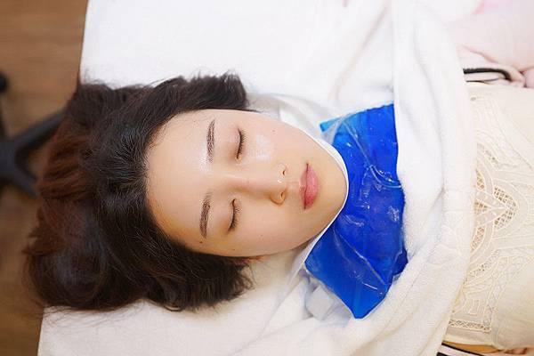 星和高雄_脈衝光+Ultherapy極線音波拉提+玻尿酸改善頸紋+嫁接睫毛_蓮太太41
