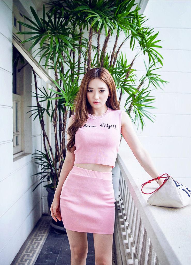 粉紅兩件式洋裝03.jpg