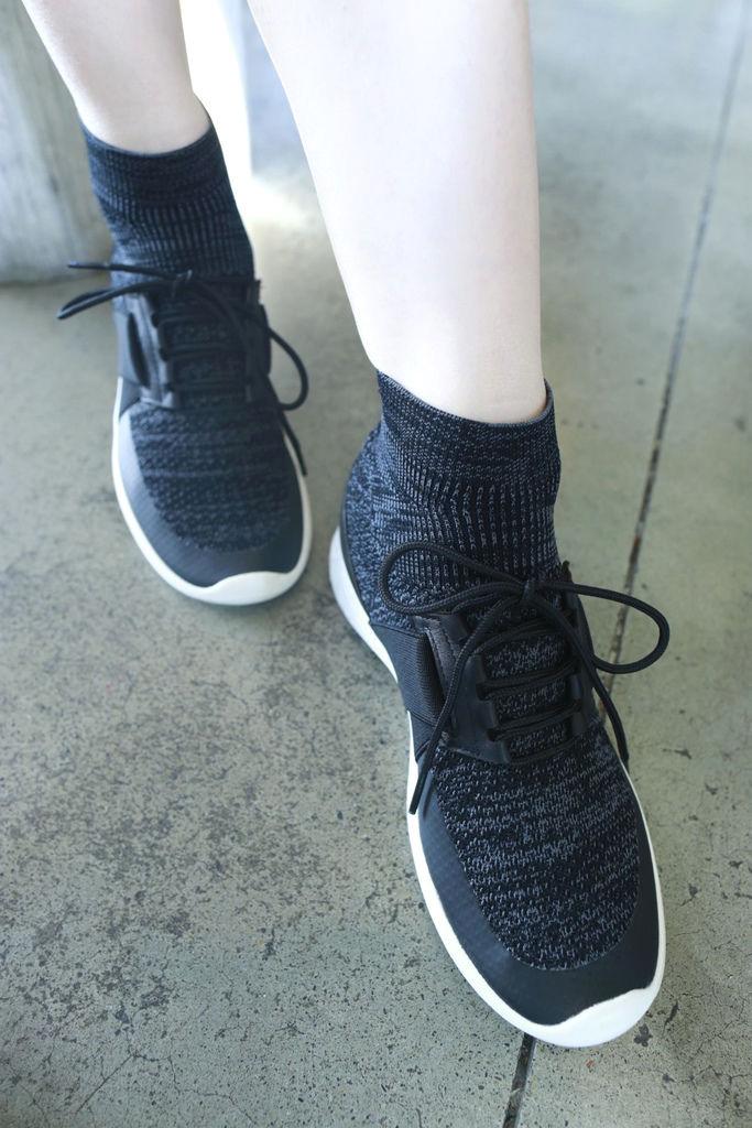 襪套式高筒編織鞋2.JPG