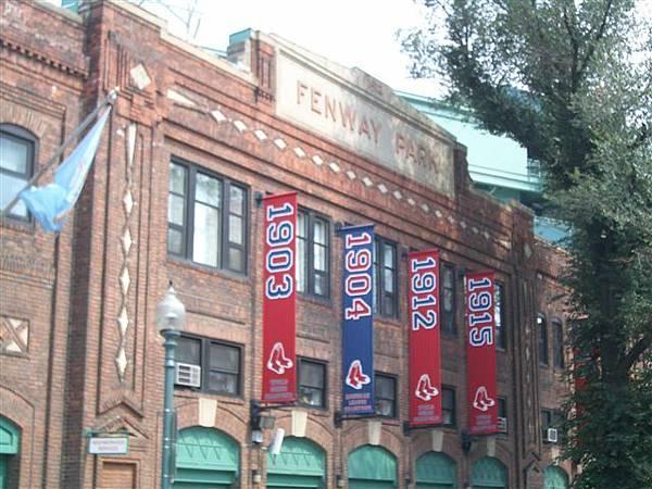紅襪隊的大本營-芬威棒球場