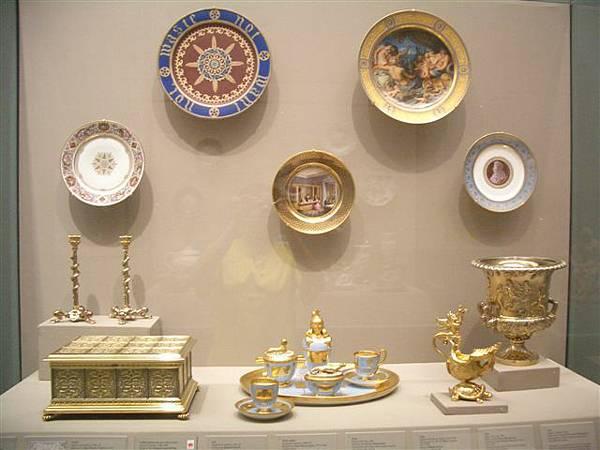 波士頓美術館-彩繪餐具