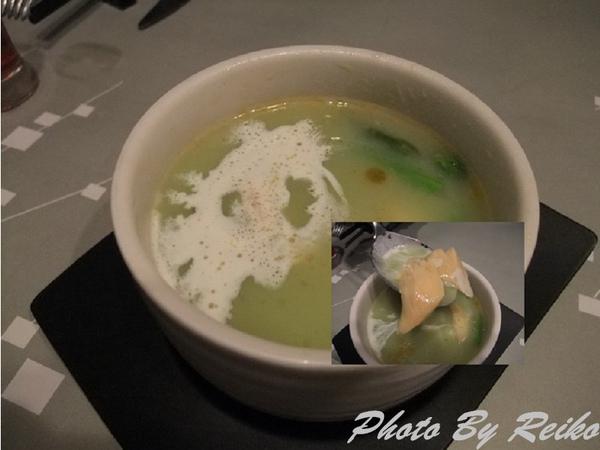 綠蘆筍海鮮濃湯