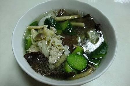 五行菇菇湯3.JPG