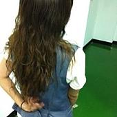頭髮長了背面1.JPG