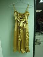 金色緞面洋裝.jpg