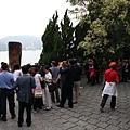 這個碑   照相還要排超長的  幾乎都是大陸觀光客
