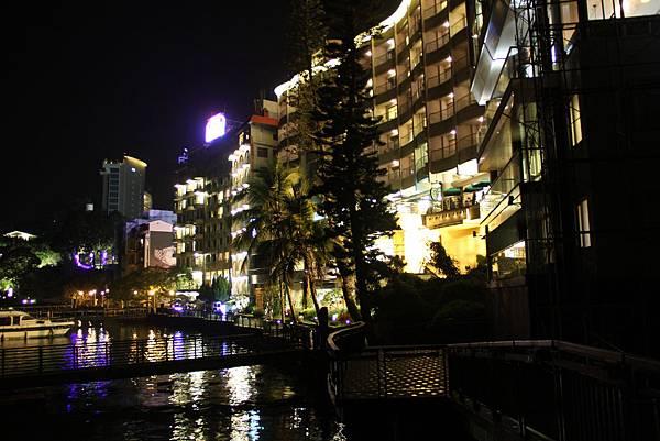 水社碼頭邊的飯店