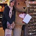 傳說中阿尼也跟這隻熊照過耶!!