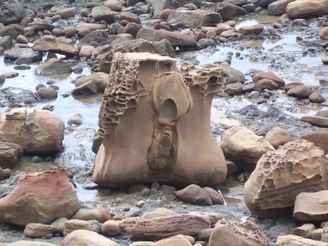 造型特殊的佳洛水岩石