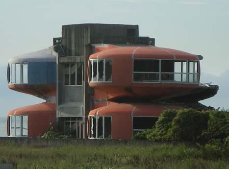 淡金公路旁的小屋