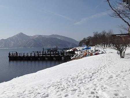 冬天的划船場