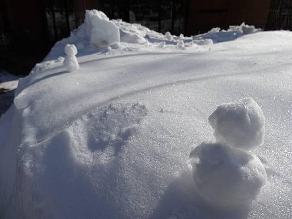 風堆成的小雪人