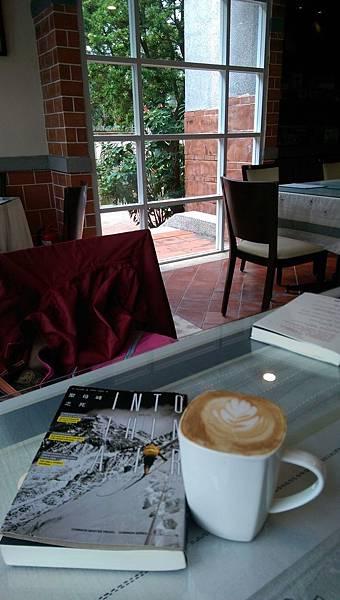 聖母峰跟咖啡.jpg