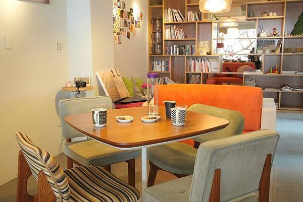 Stay Cafe' 1F 四人桌  梣木秀拉餐桌、友樸餐椅加羅德列克