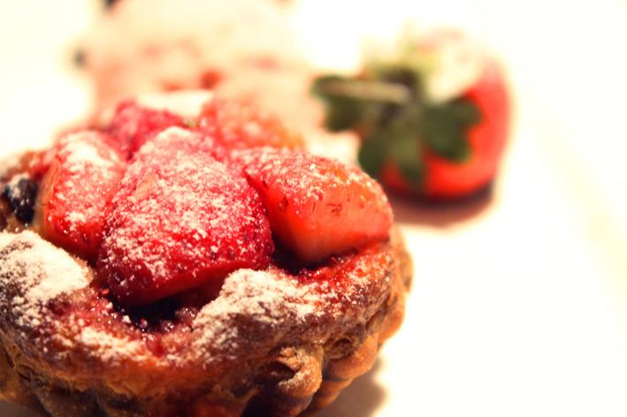 雅室牛排草莓塔