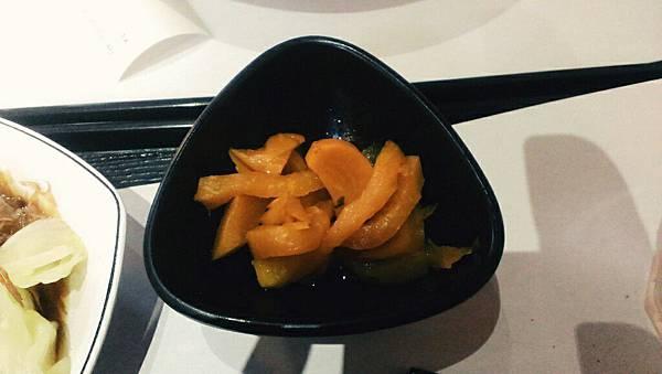 八德區大潤發平價小吃-菘葶家拉麵