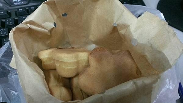 竹北美食爆漿雞蛋糕