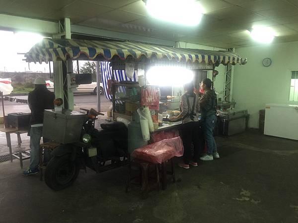 新竹隱藏版美食藏帶新竹南寮漁港裡面的鷹王肉圓