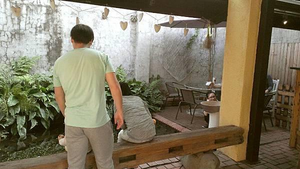 溜小孩好去處選擇新竹縣新瓦屋客家文化保存區,靠近高鐵,文興路旁,還有接駁車可搭乘,吃飯,停車都很方便