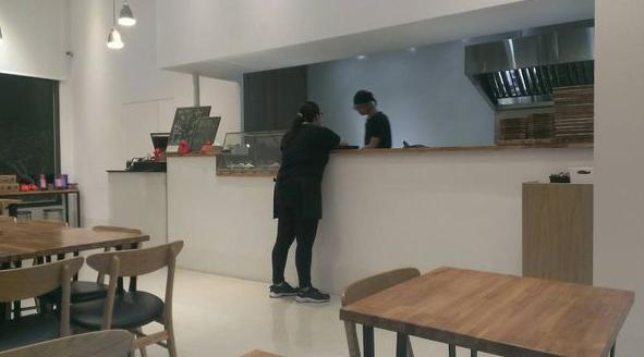 新竹好吃的素食餐廳一山蔬食館,整潔的環境,熱心的店員,好吃的素食料理推薦給大家