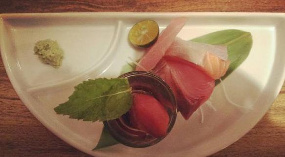 新竹關新商圈好吃日式料理,八庵日式料理,生魚片,炸豬排排餐推薦給愛吃日式料理的朋友