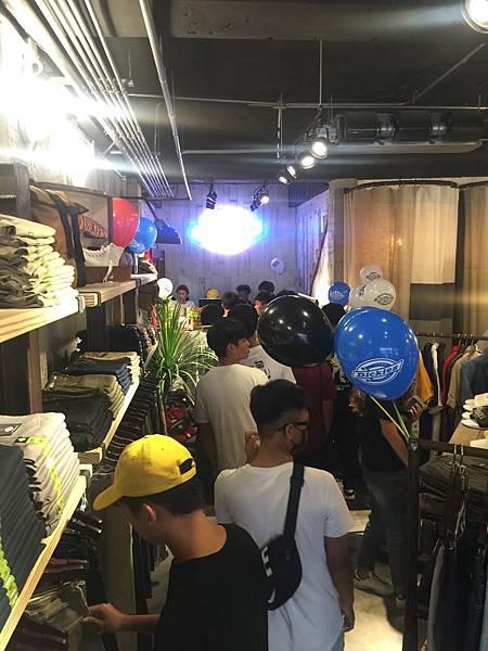 DICKES台東店