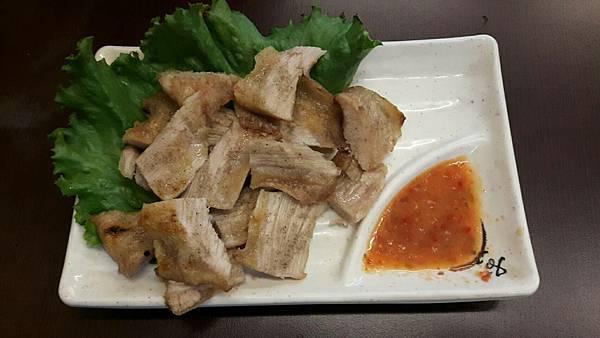 桃園美食嚇嚇叫,嚇嚇叫泰國蝦烤蚵料理,胡椒蝦推薦、烤蚵料理真心分享,東西新鮮服務好,價格實惠喔