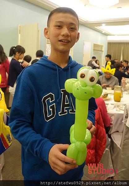 恐龍造型氣球-01.jpg