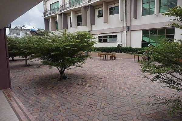菲律賓遊學CELLA學校外部.JPG